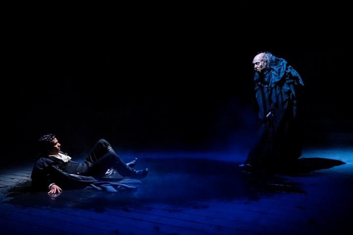 01 RET Frankenstein - L-R Shane Zaza (Victor Frankenstein) & Harry Attwell (The Creature) - Images Johan Persson.jpg